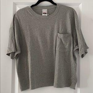NWT: Gap grey cropped tshirt